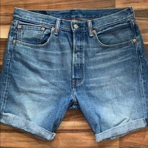Levi's Jean Cut-Off Shorts sz 32
